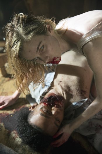 fear_the_walking_dead_s01e01_still_2